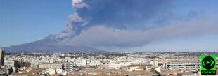 """""""Chmura dymu szła w stronę miasta"""". Wybuchła Etna"""